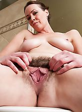 hairy, Hairy babe Veronica Snow gets wet in the shower
