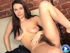 Busty Claire gives her pussy some air