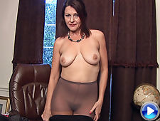 A sexy interview with the mature Gina Louise