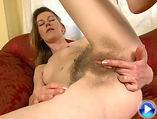 Katie Daze gives her hairy pussy a nice treat