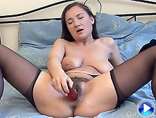 Sveta sucks her juices off a dildo